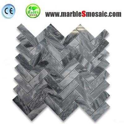 Mosaïque de chevrons en marbre gris de montagne