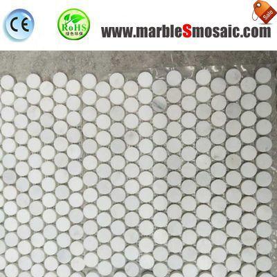 Mosaico de mármol redonda de Penny para el suelo de la ducha