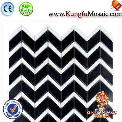 Mosaico de mármol de blanco y negro Adn de Chevron