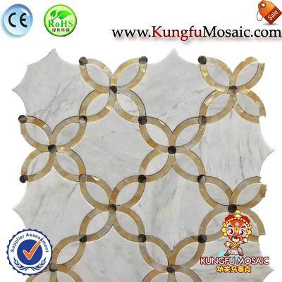 Золотой цветок белой мраморной ванной мозаика