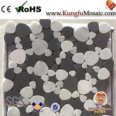 Mosaico de mármol de guijarros de basalto negro